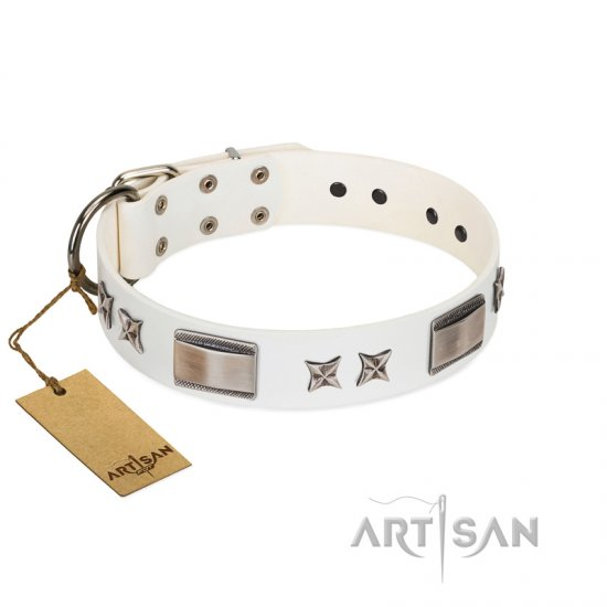 """Bling-Bling"" FDT Artisan White Leather dog Collar with Sparkling Stars and Plates - Click Image to Close"
