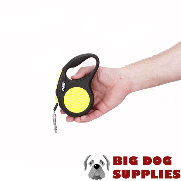 Comfortable Handle on Dog Retractable Leash for Everyday walking