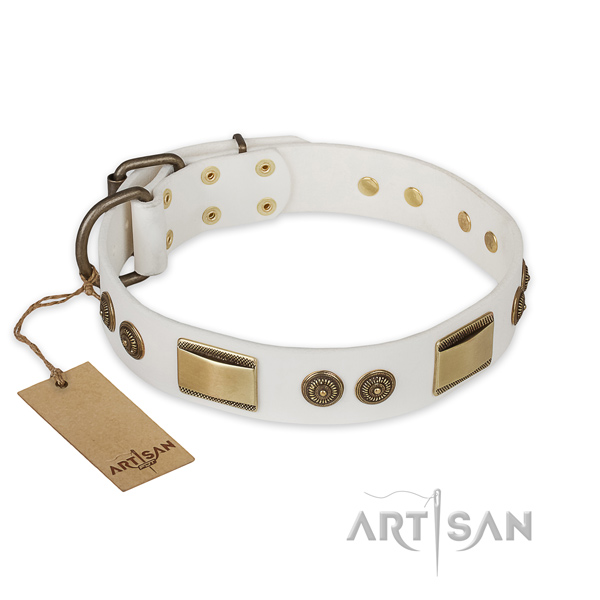 Easy to adjust natural genuine leather dog collar for easy wearing