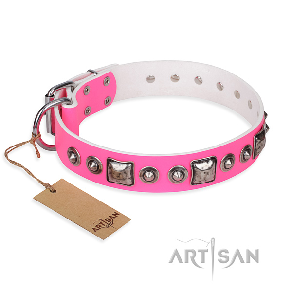 Leather dog collar made of high quality material with rust-proof buckle