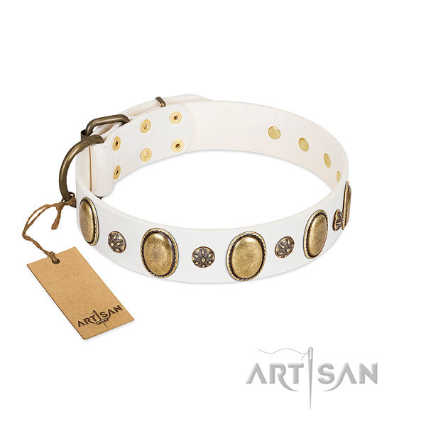 Handy use high quality leather dog collar with adornments