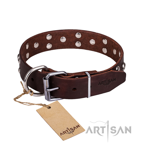 Leather dog collar with rounded edges for comfy walking