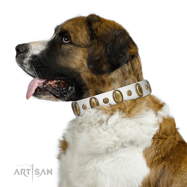 Handy use reliable natural genuine leather dog collar with studs
